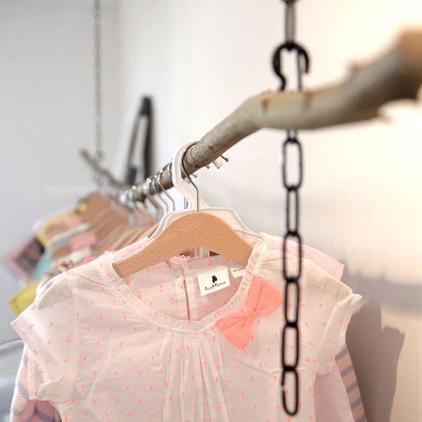 bambilicious Details aus dem Verkaufsbereich: Kleiderstange